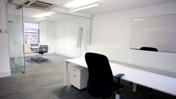 איך לנקות נכון את המשרד