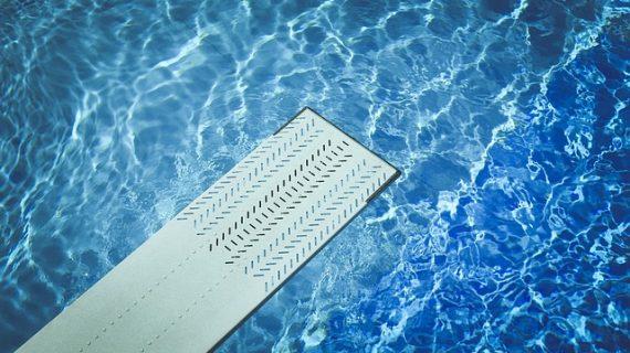 איזה ציוד לבריכות שחייה צריך לתחזק