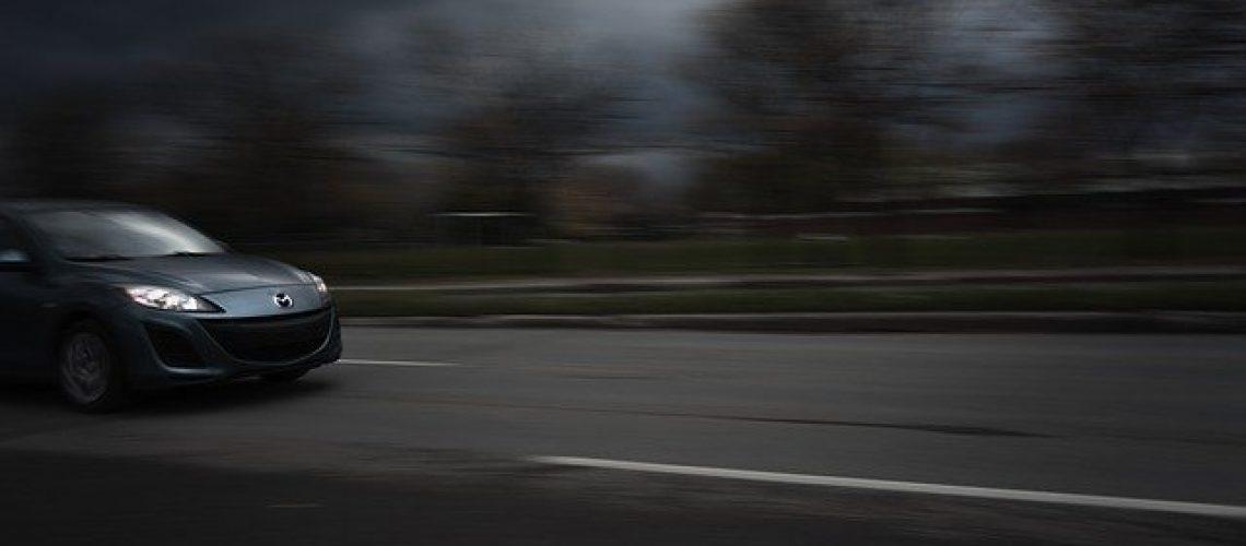 כמה עולה השחרת חלונות לרכב
